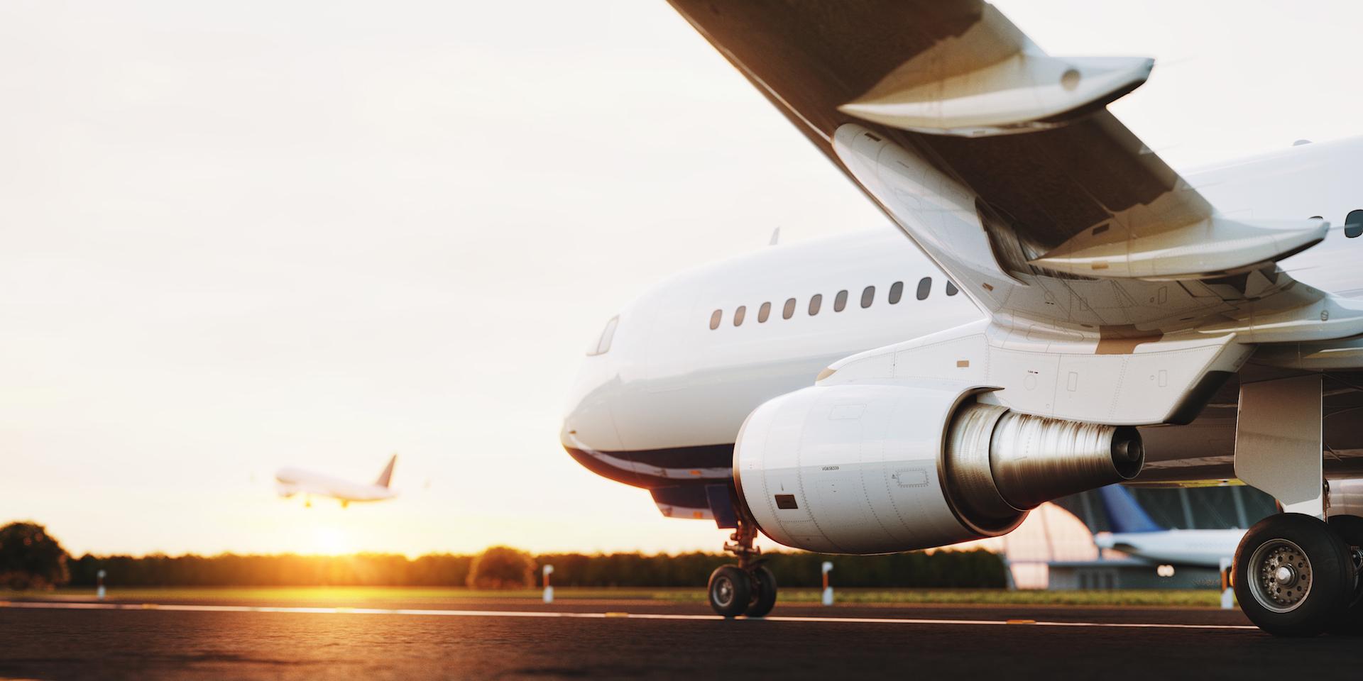 Avión en Aeropuerto ASLA